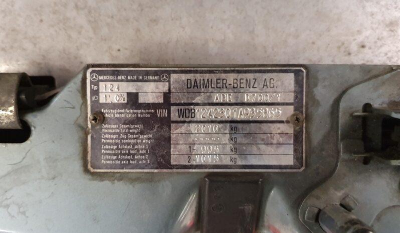 MERCEDES-BENZ 124 300E 4MATIC full